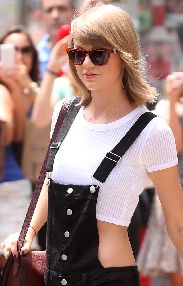 Taylor Swift summer bob hairstyles 2015