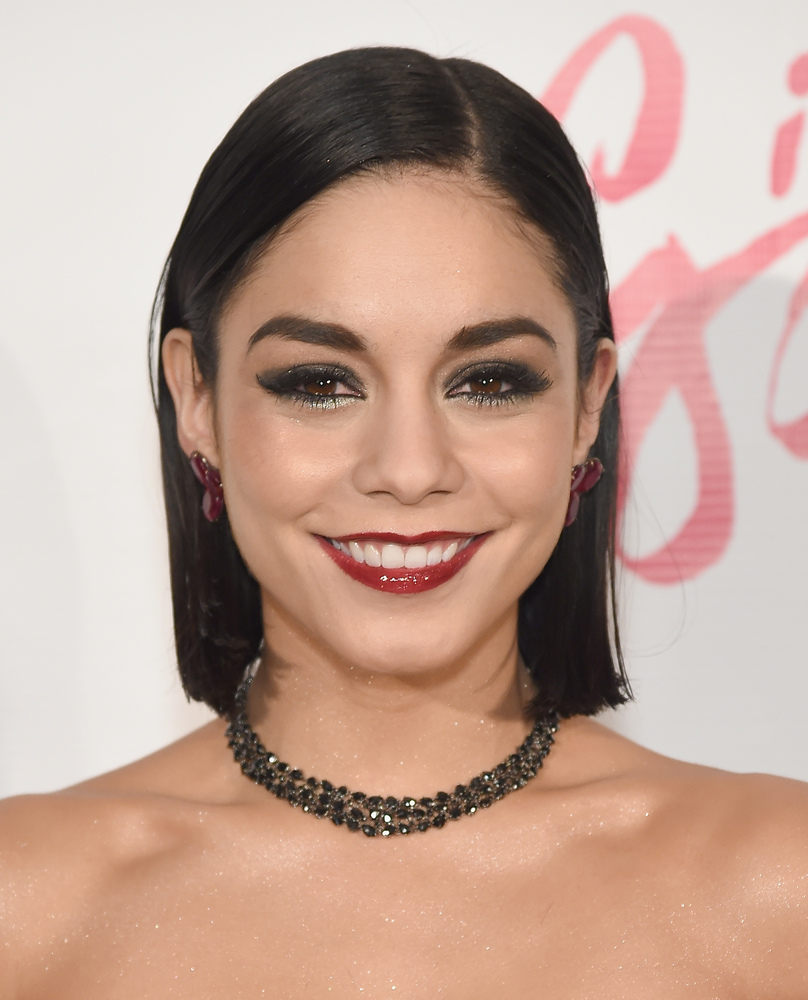 Vanessa Hudgens summer short hairstyles 2015
