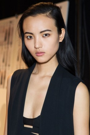side parted hairstyles for fall 2015 at Narciso Rodriguez
