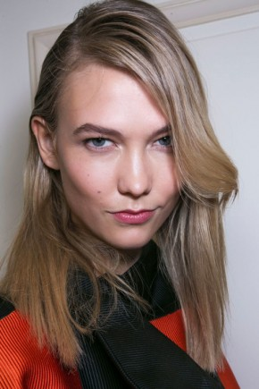 Kalie Kloss side parted hairstyles for fall 2015