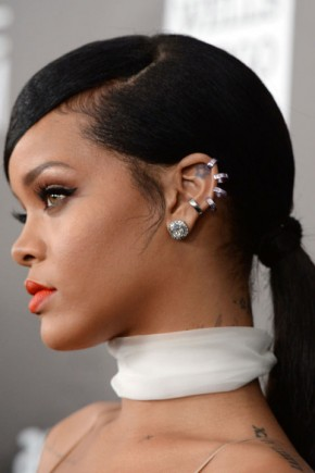 Rihanna straight summer ponytails 2015
