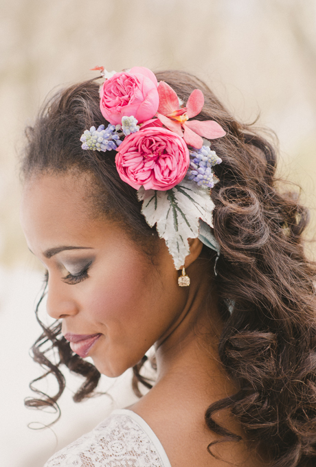 Bridal Floral Hairstyles : Summer bridal hairstyles with flowers