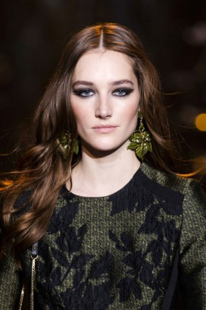 wavy hairstyles for fall 2015 at Elie Saab