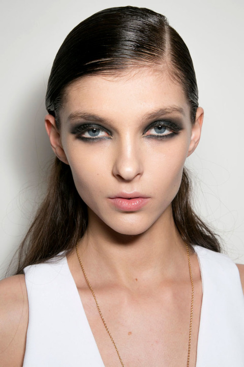 wet effect hairstyles fo fall 2015 at Cushnie Et Ochs