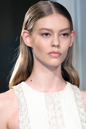 wet effect hairstyles fo fall 2015 at Prabal Gurung