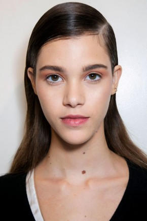 wet effect hairstyles fo fall 2015 at Thakoon