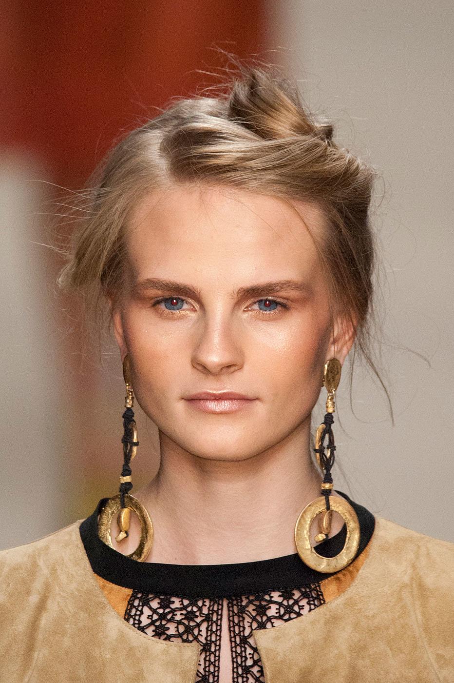 Alberta Ferretti Hairstyles 2016
