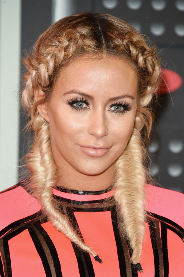 Aubrey O´day Celebrity Hairstyles VMAs 2015