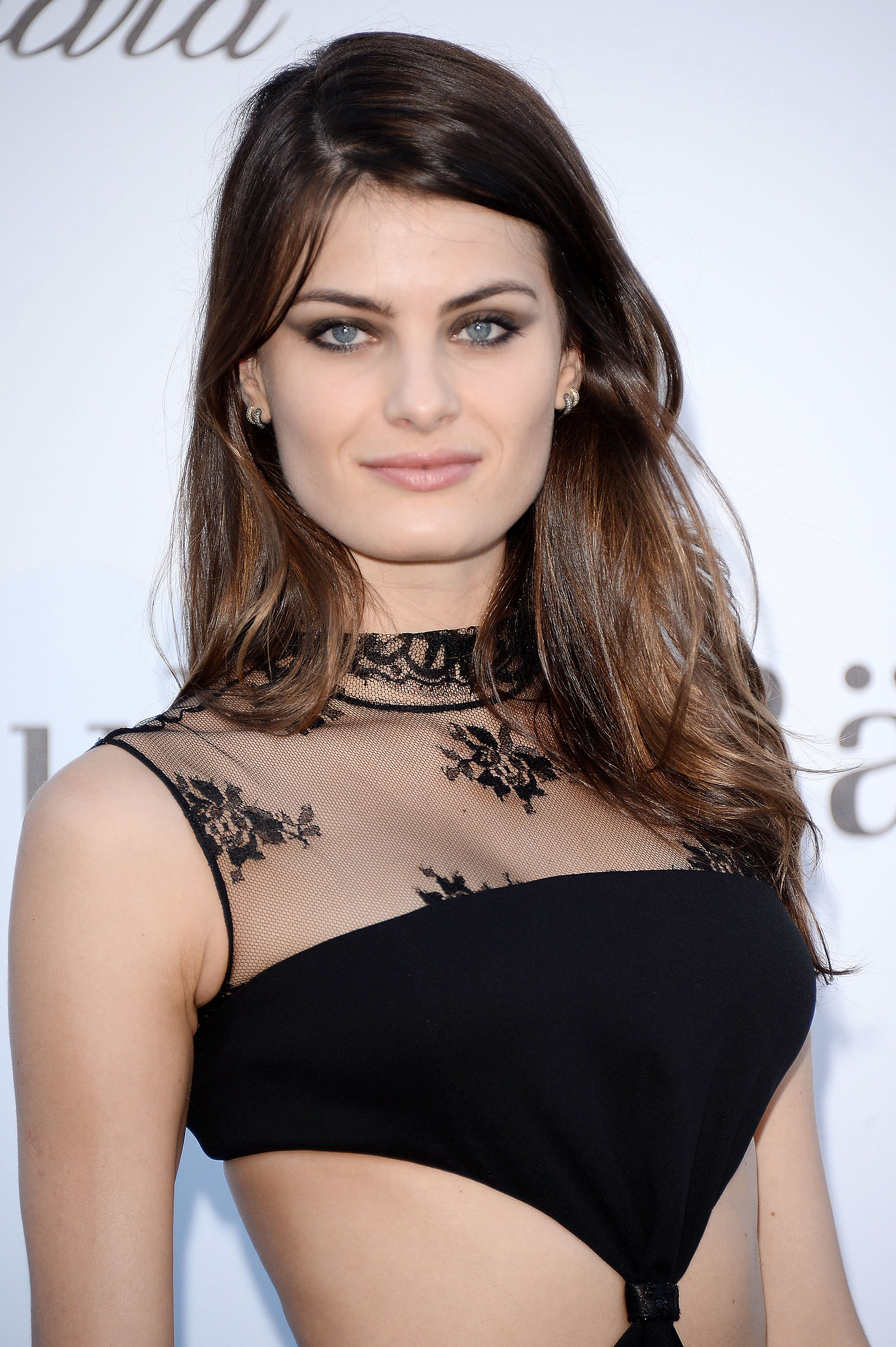 Isabeli Fontana Hair Colors for 2016 Winter