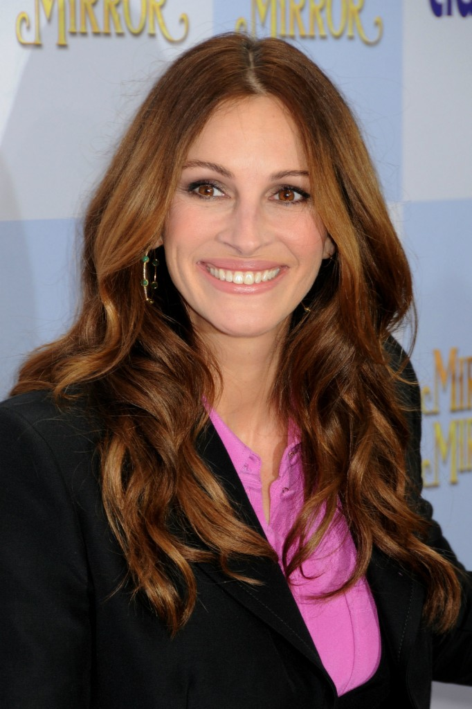 Julia Roberts Long Hairstyles 2016