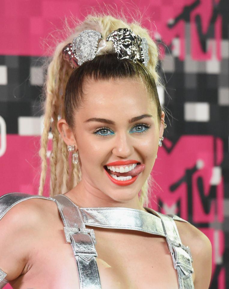 Miley Cyrus Celebrity Hairstyles VMAs 2015