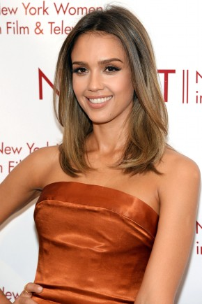 Jessica Alba Sombre Brunette hair colors 2016