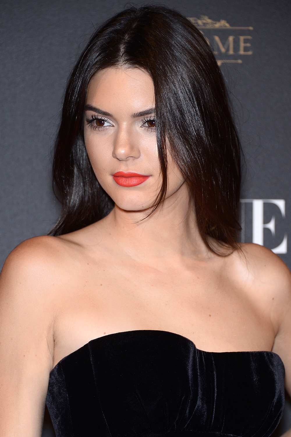 Kendall Jenner brunette hair colors at Paris Fashion Week Spring/Summer 2016