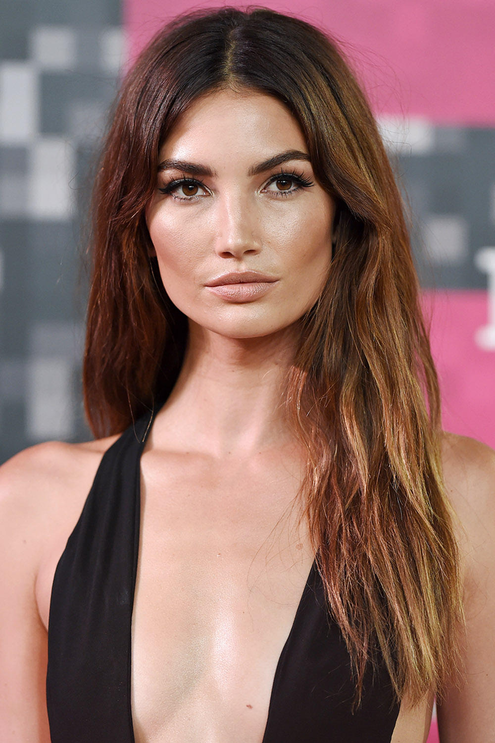 Lily Aldridge brown hair at 2015 MTV Video Music Awards