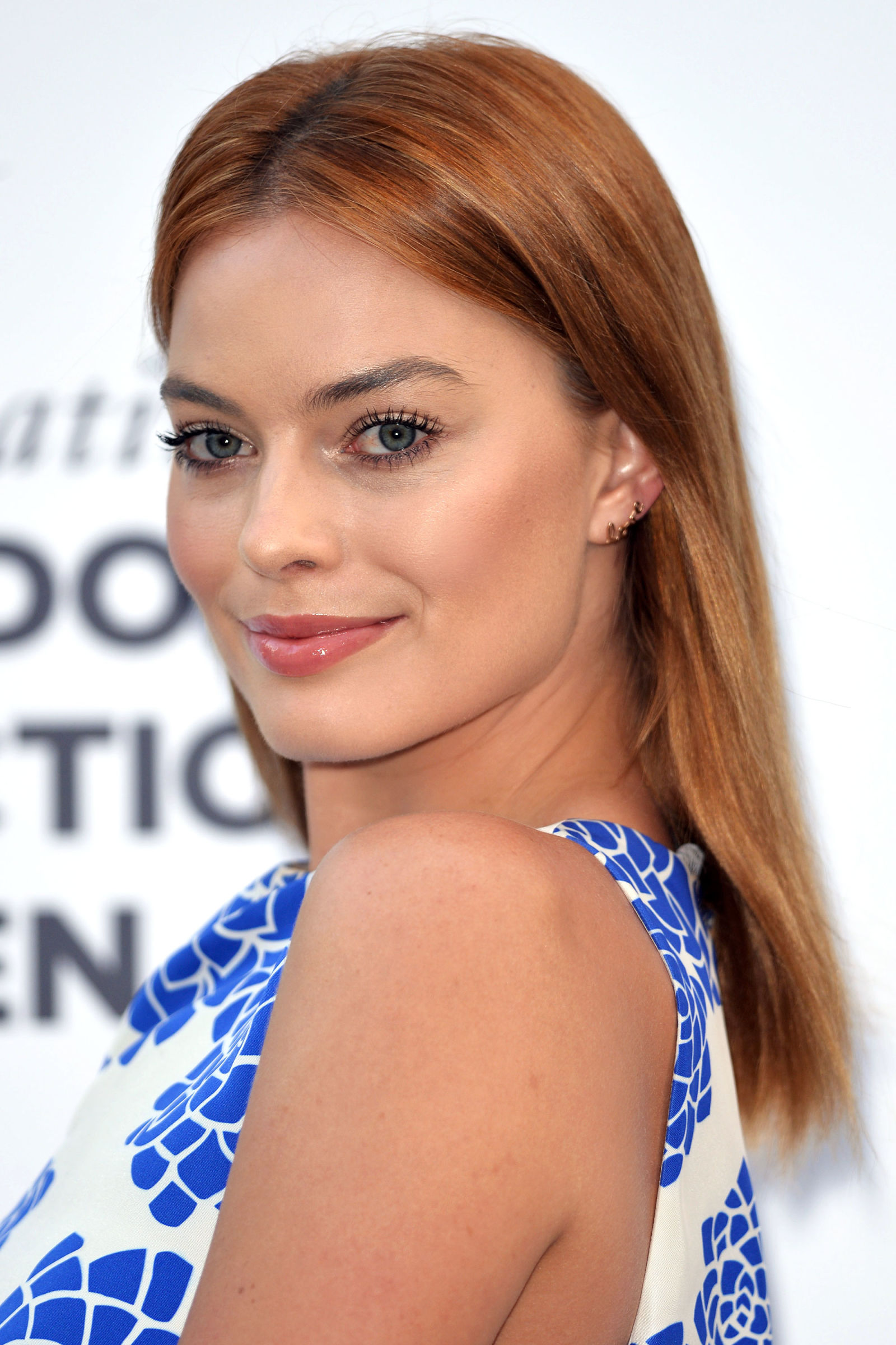 Margot Robbie red hair colors 2016