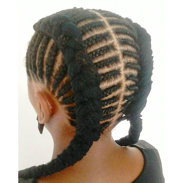 ... one one side we see kinky cornrows so typical for african american