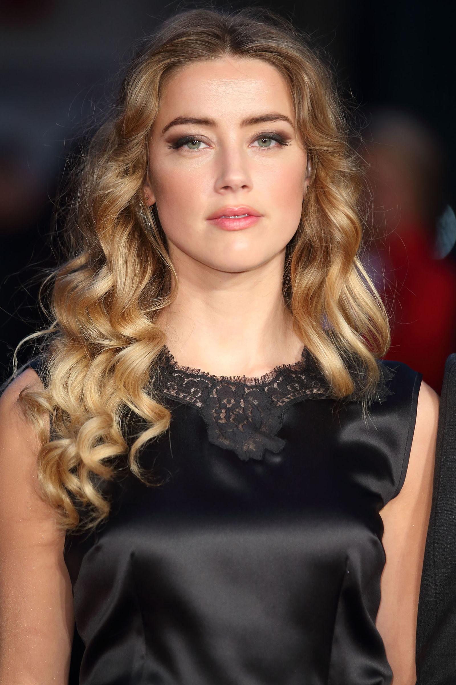 Amber Heard Winter Hair Colors 2016