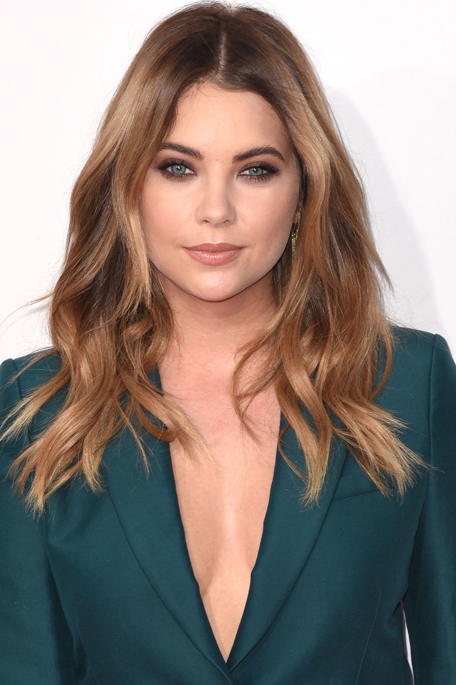 Ashley Benson Winter Hair Colors 2016
