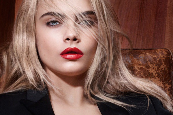 Cara Delevingne New Year hairstyles