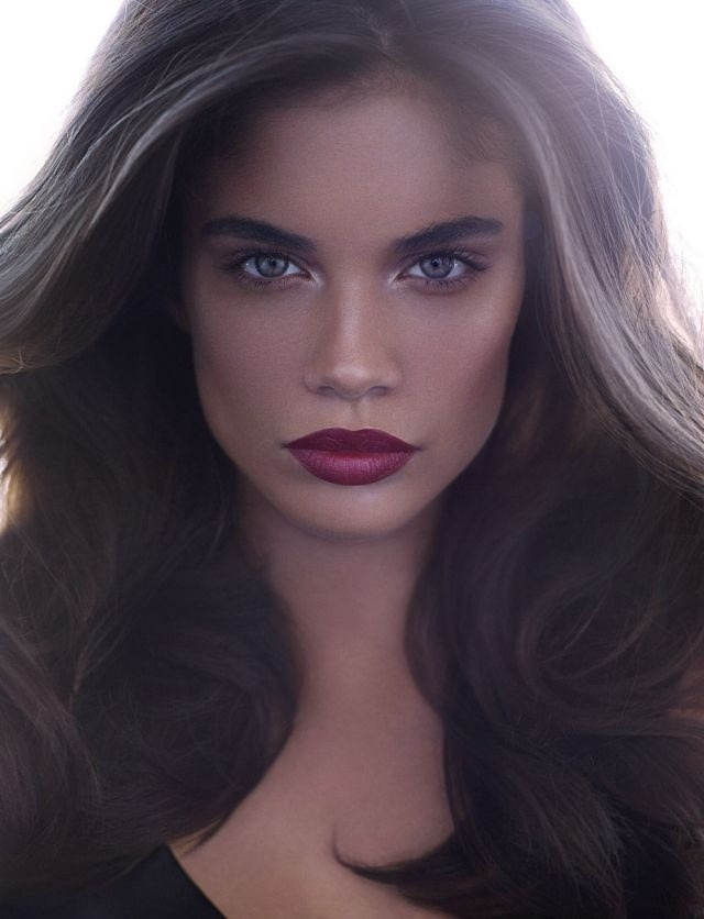 Sara Sampaio Holiday Hairstyles 2016