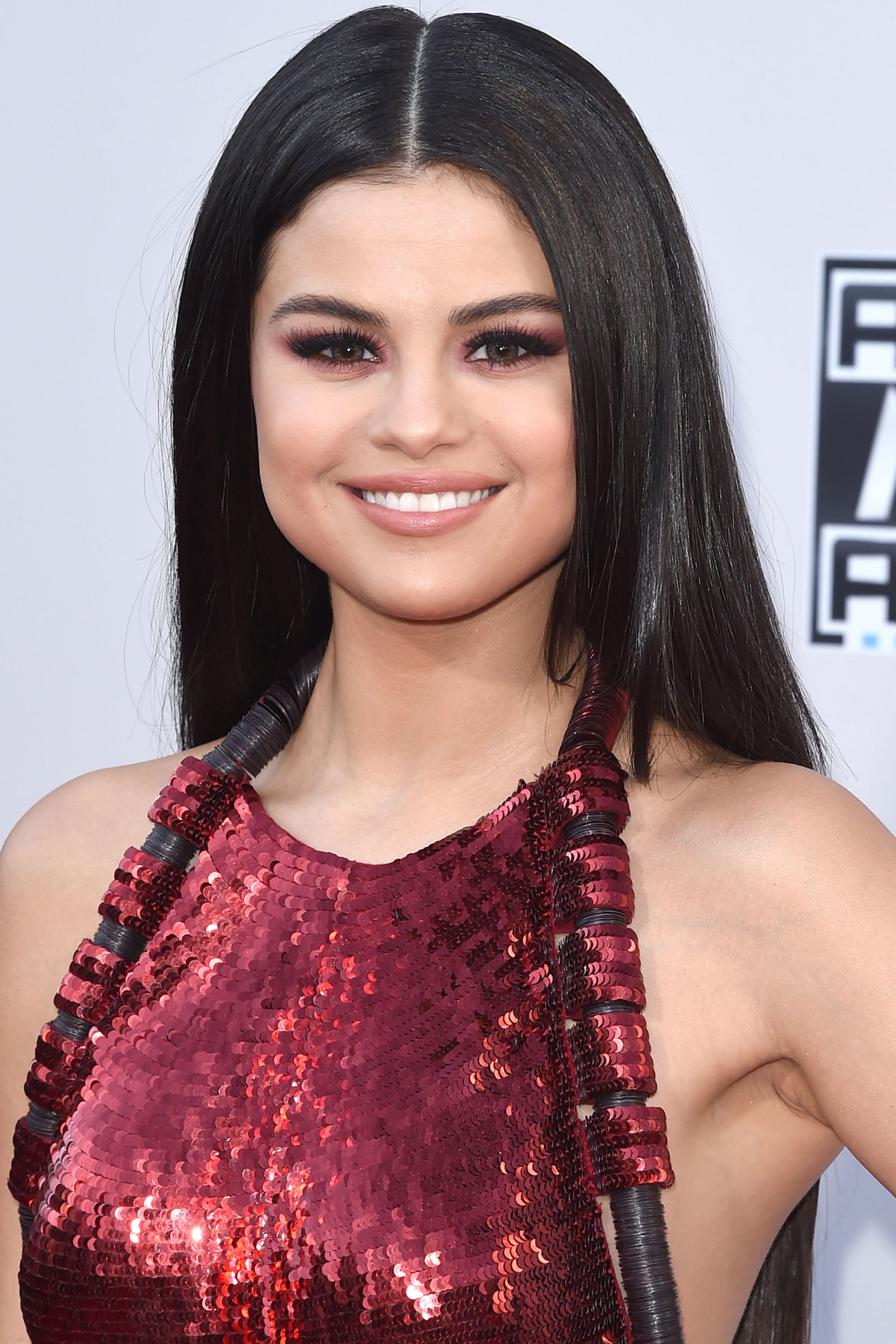 Selena Gomez Winter Hair Colors 2016