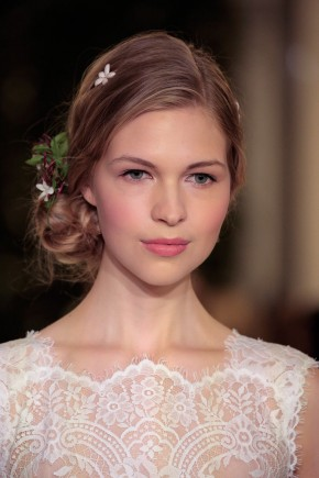 Carolina Herrera Spring 2016 Wedding Hairstyles 1
