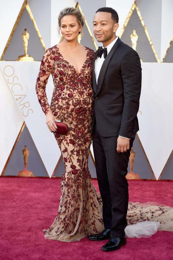 Chrissy Teigen and John Legend hairstyles at Oscar´s Awards 2016
