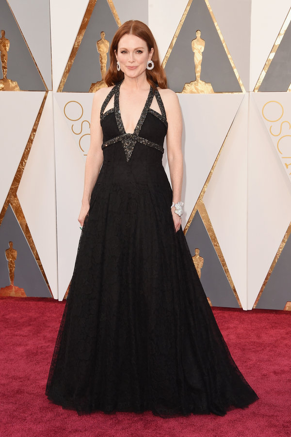 Julianne Moore hairstyles at Oscar´s Awards 2016