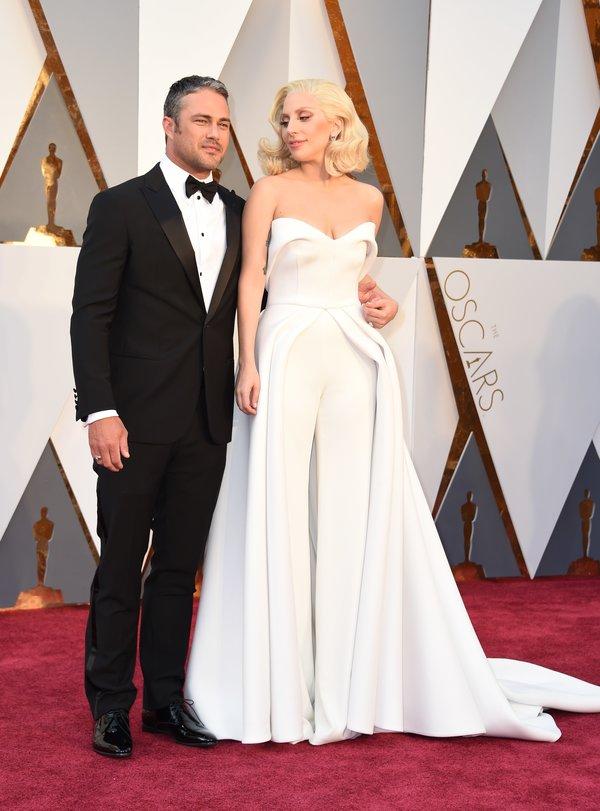 Lady Gaga and Taylor Kinney hairstyles at Oscar´s Awards 2016