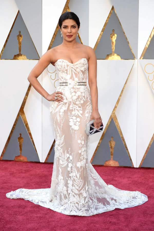 Priyanka Chopra hairstyles at Oscar´s Awards 2016
