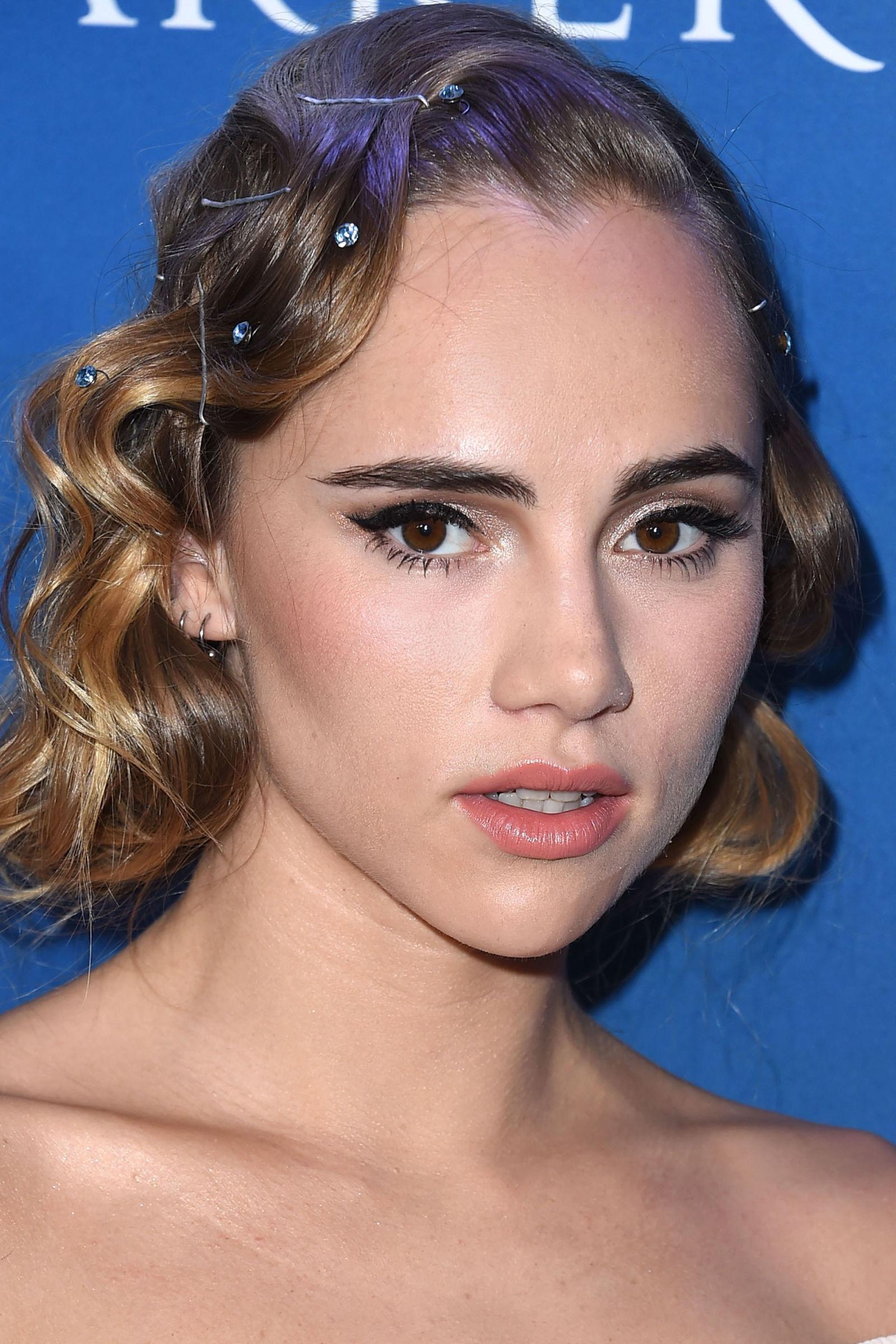 Suki Waterhouse celebrity hairstyles