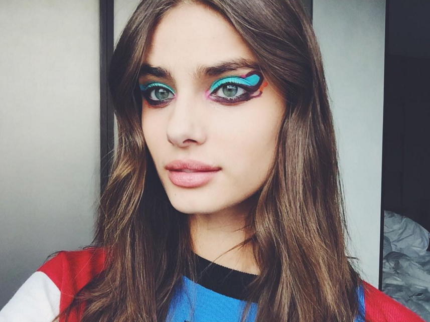 Fall 2016 Backstage hairstyles - Taylor Hill at Fendi