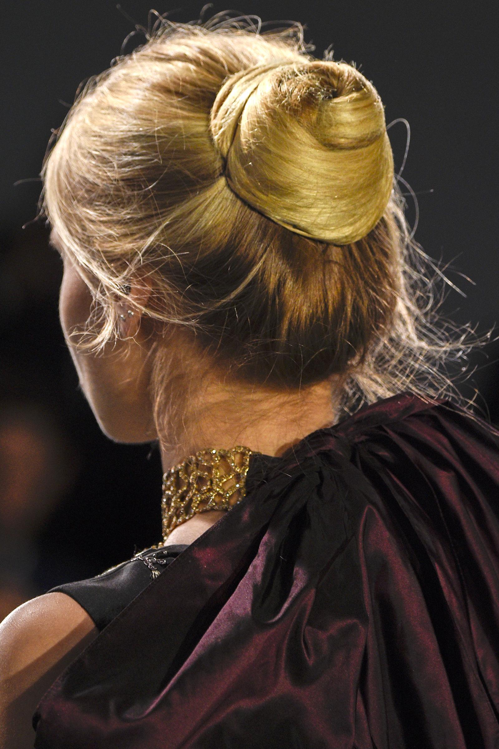 Oscar de la Renta hairstyles 2016 fall