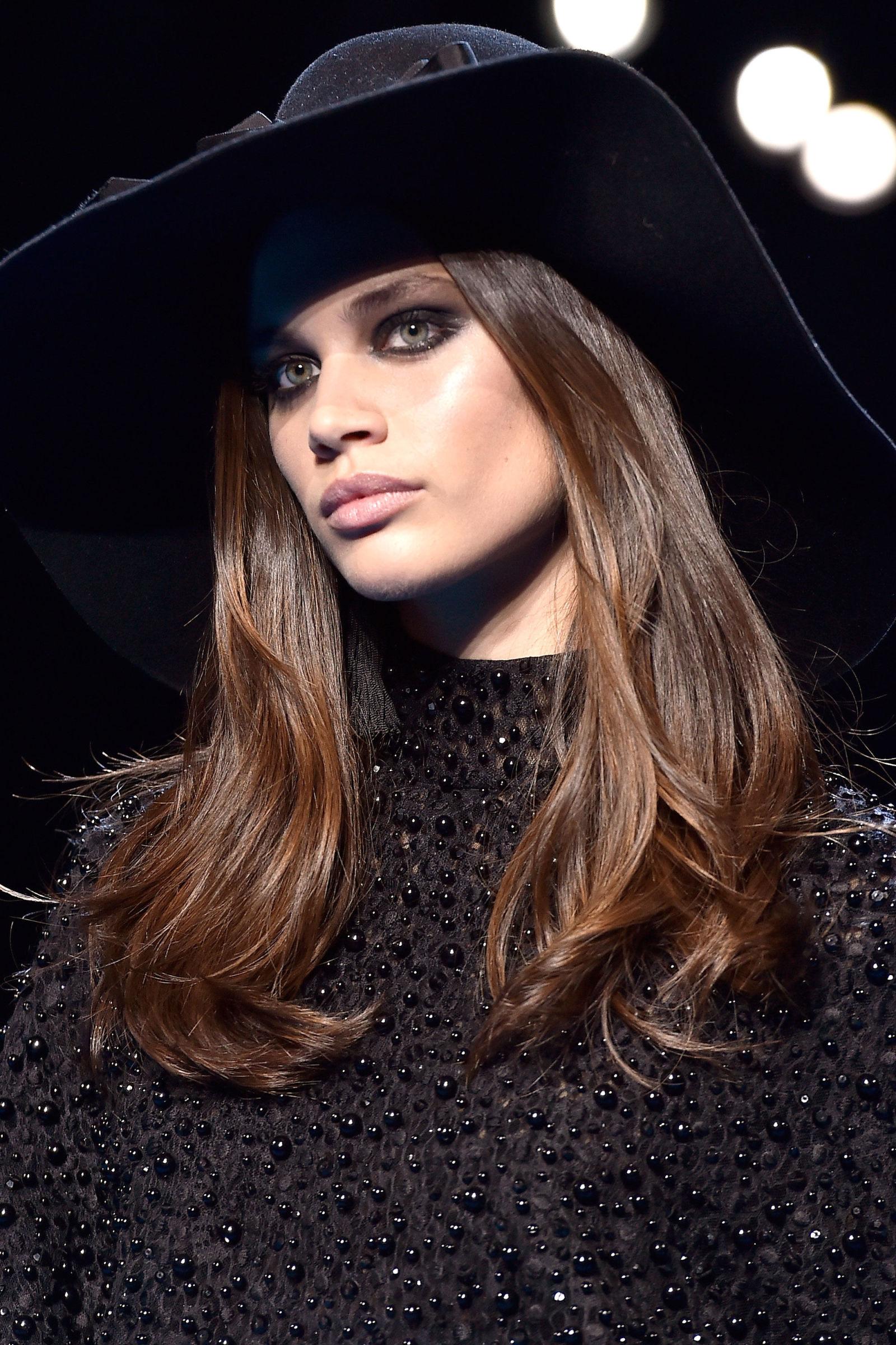 PFW Fall 2016 hairstyles - Elie Saab