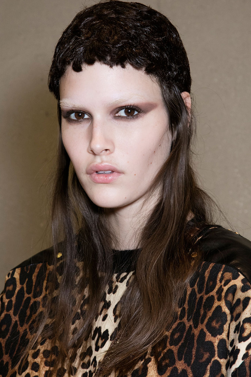 PFW Fall 2016 hairstyles - Givenchy