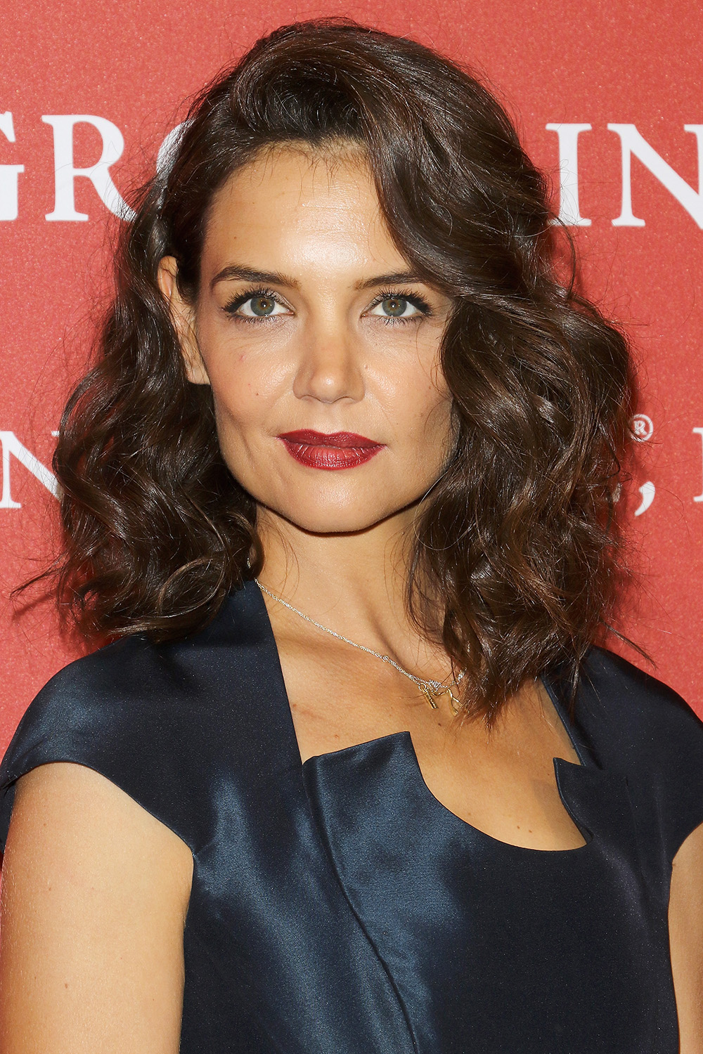 KATIE HOLMES Curly Hairstyles