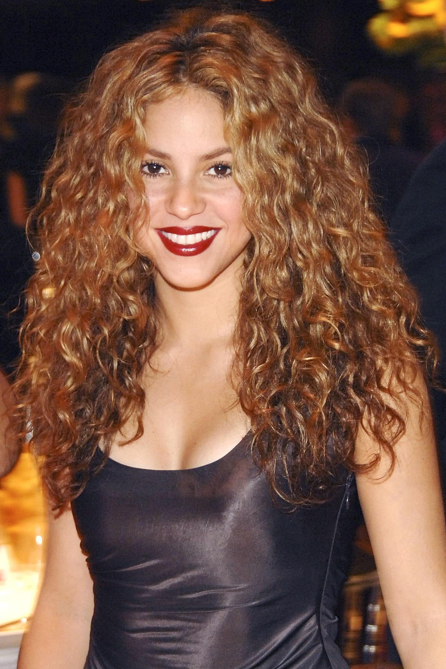 SHAKIRA Curly Hairstyles