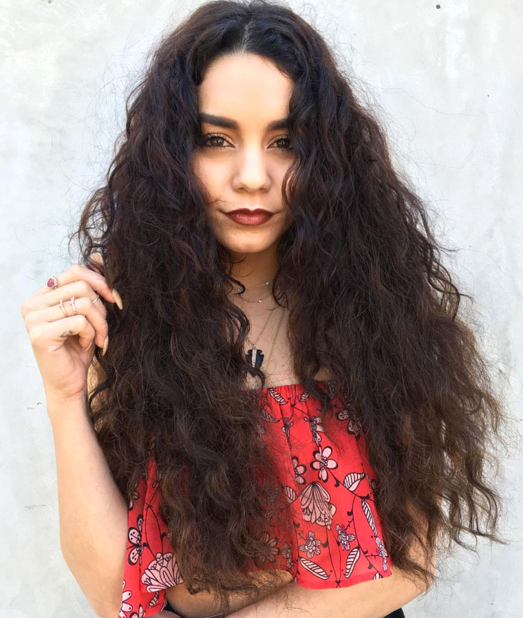 VANESSA HUDGENS Curly Hairstyles