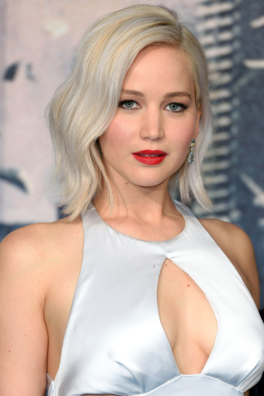 "Jennifer Lawrence ice blonde hair at""X-Men Apocalypse"" red carpet"