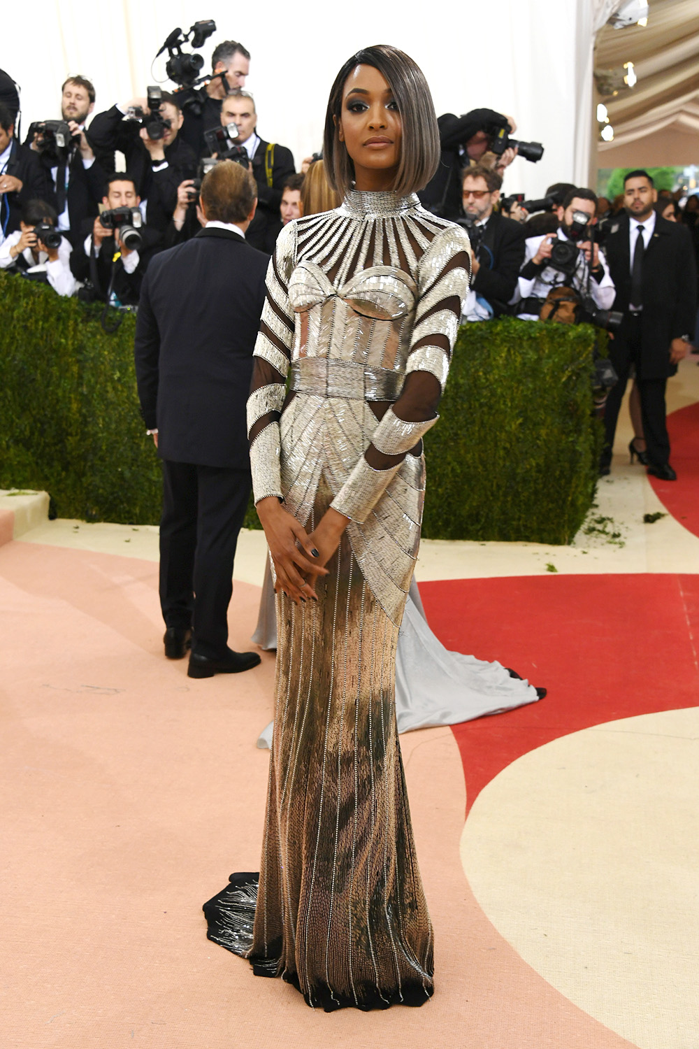 Jourdan Dunn bob haircut at Met Gala 2016