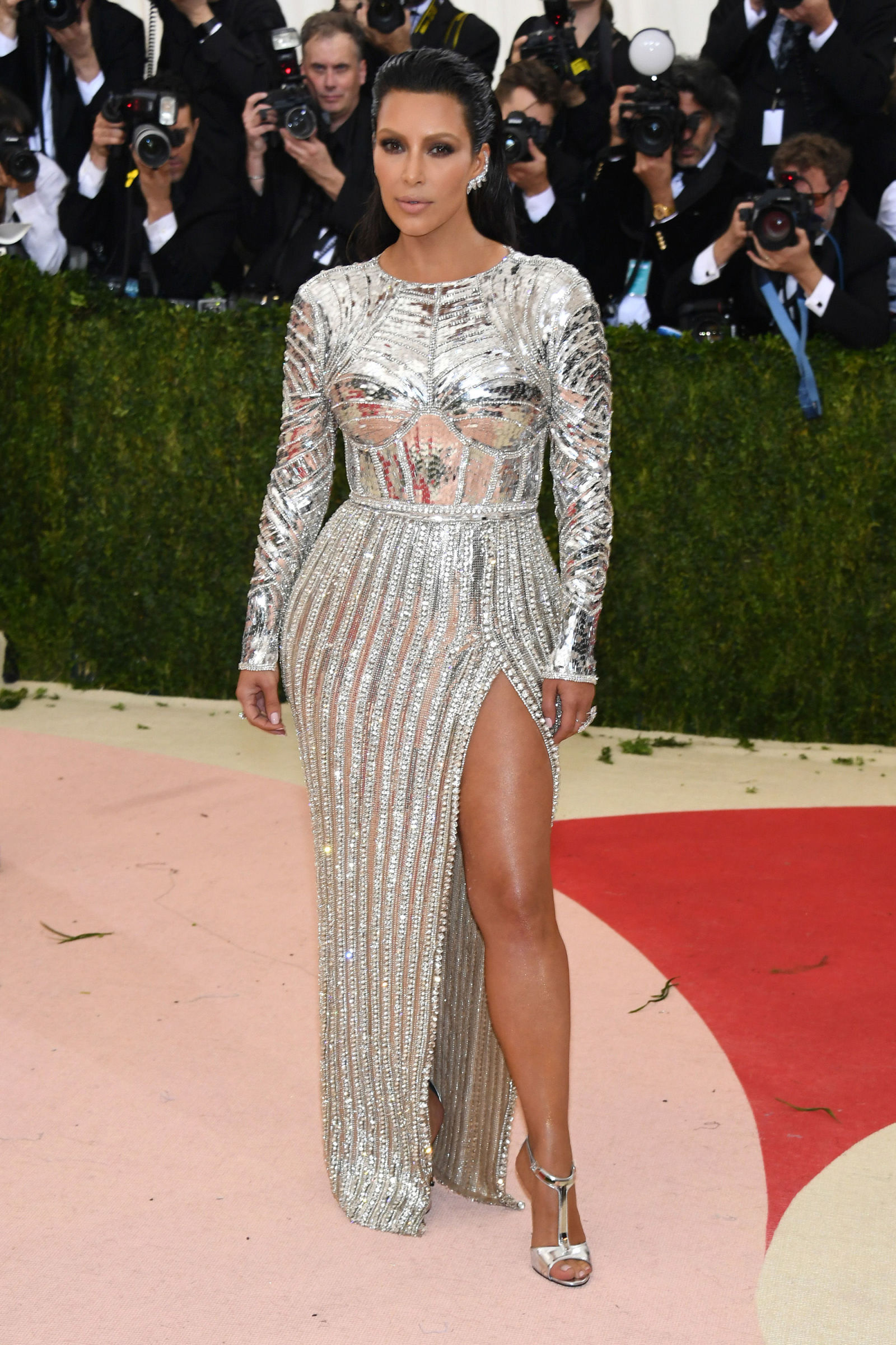 Kim Kardashian hairstyles at Met Gala 2016