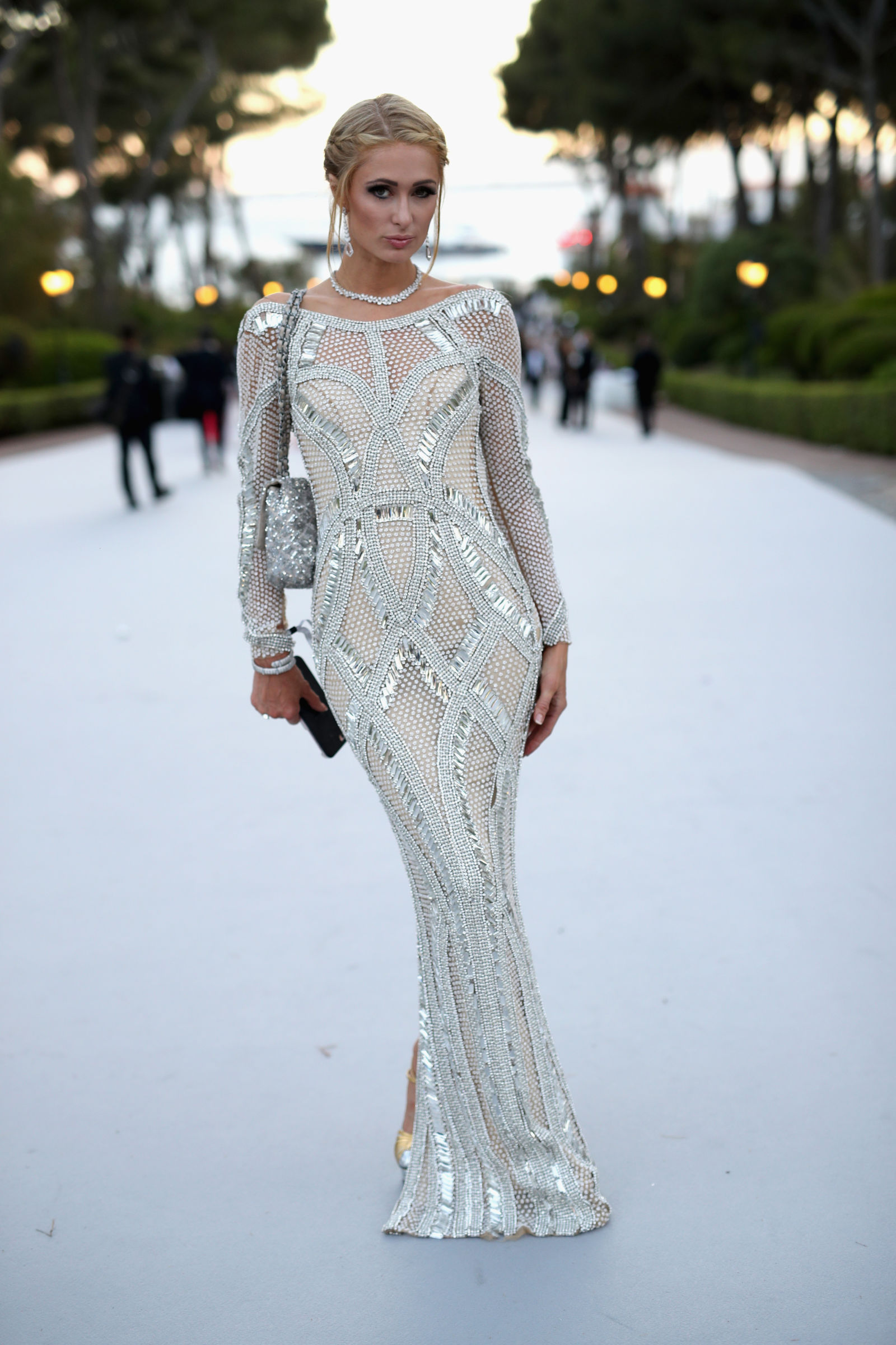 Paris Hilton elegant downdo
