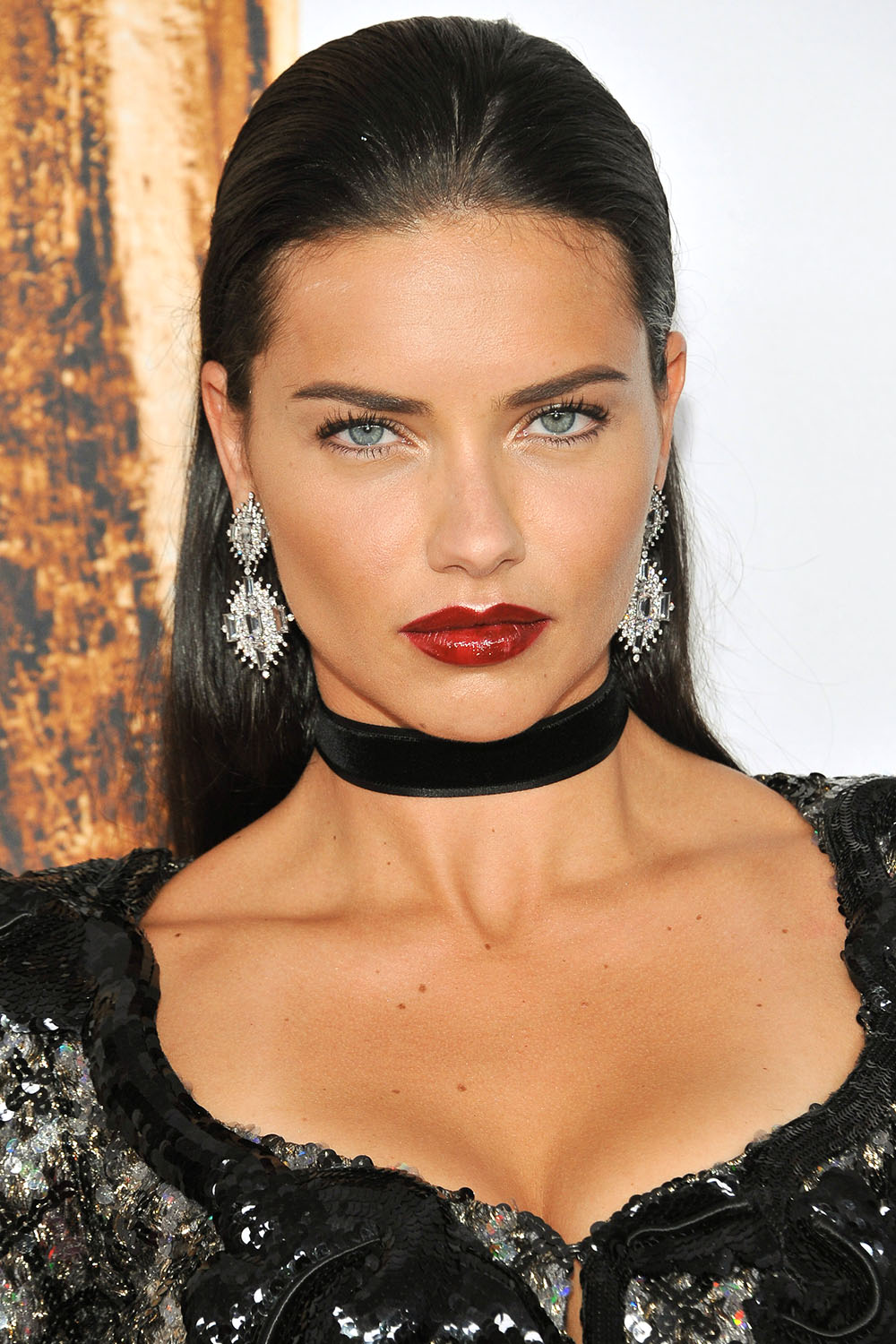 2016 CFDA Fashion Awards Adriana Lima slicked back hairstyle