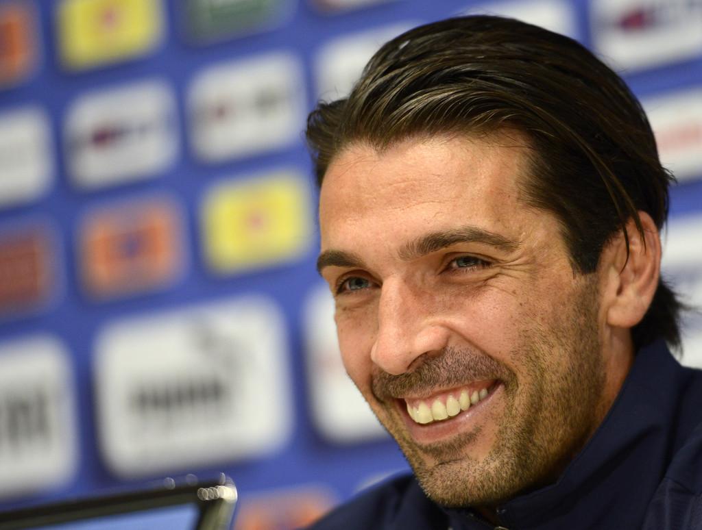 Gianluigi Buffon short side swept hairstyles