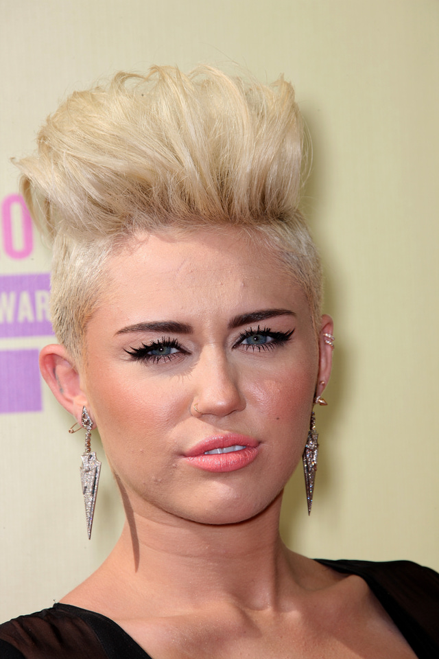Miley Cyrus quiff hairstyle