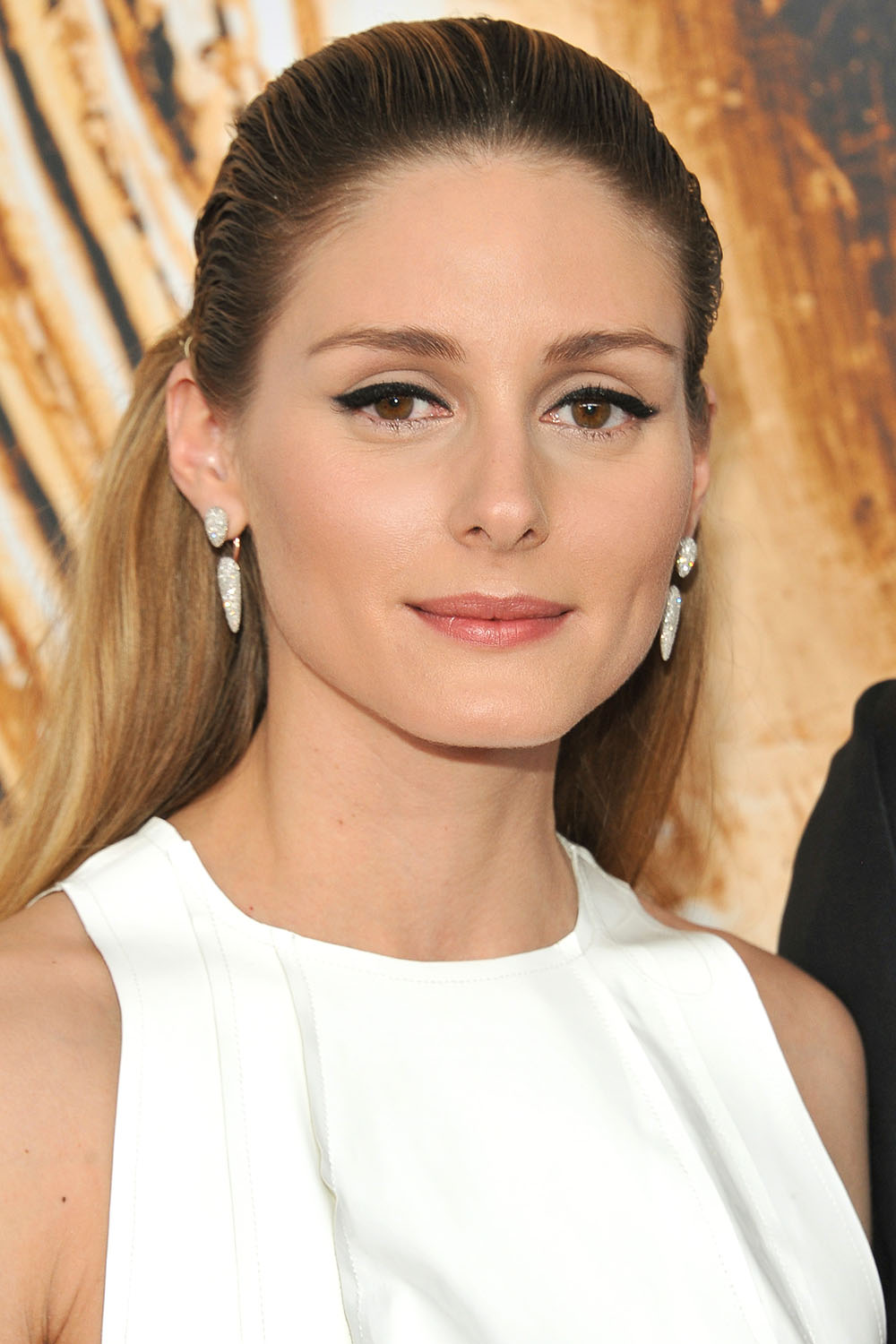 2016 CFDA Fashion Awards - Olivia Palermo slicked back hairstyle