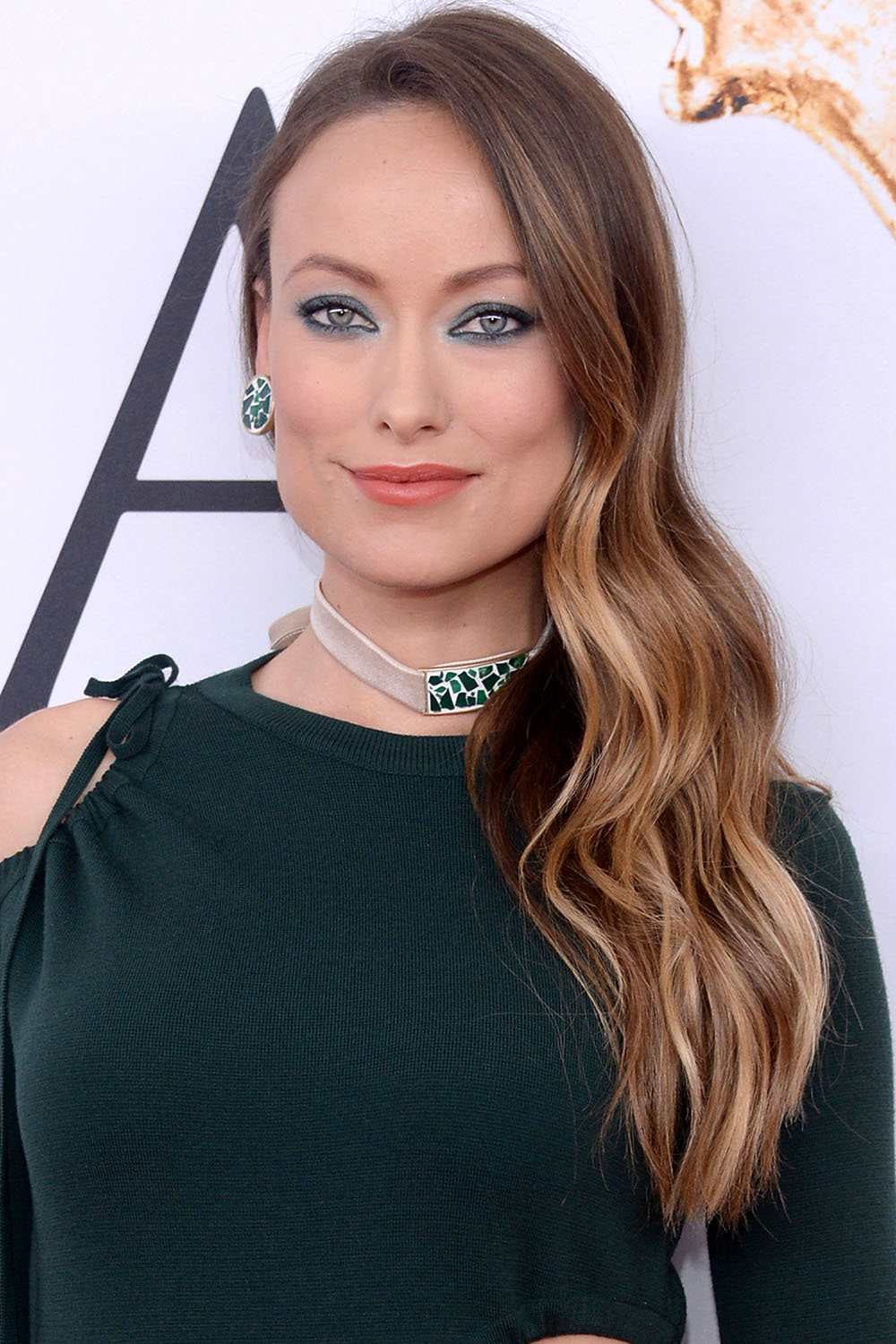 2016 CFDA Fashion Awards Olivia Wilde side swept hair