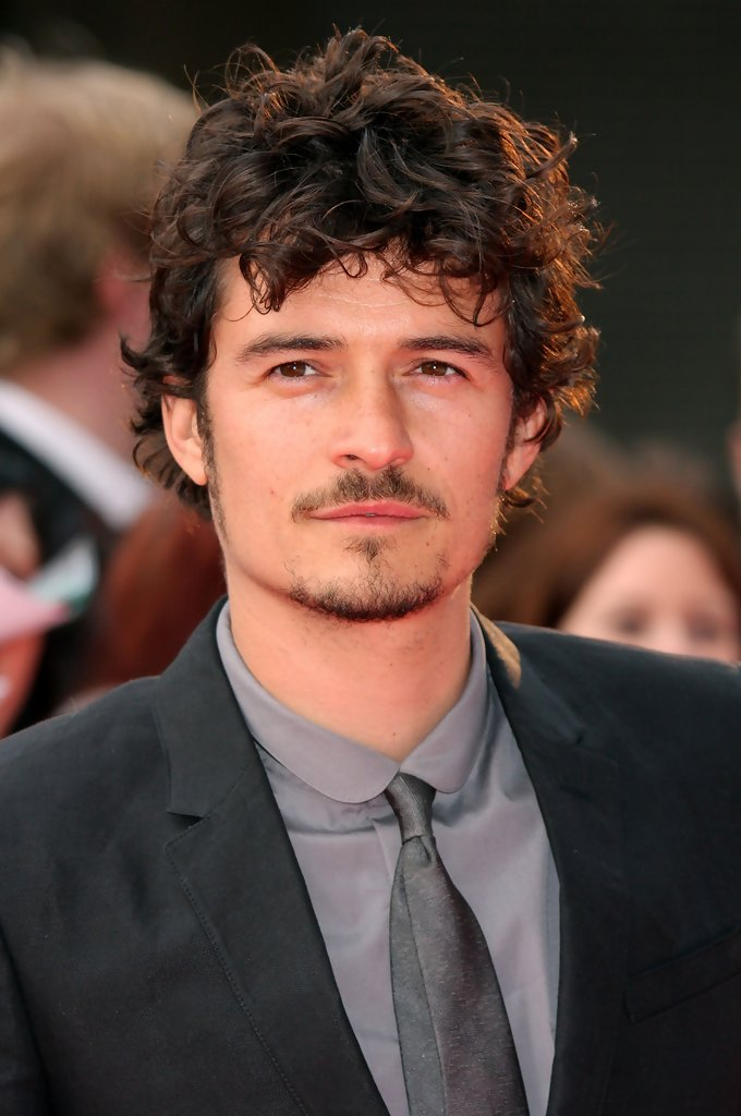 Orlando Bloom wavy hairstyles