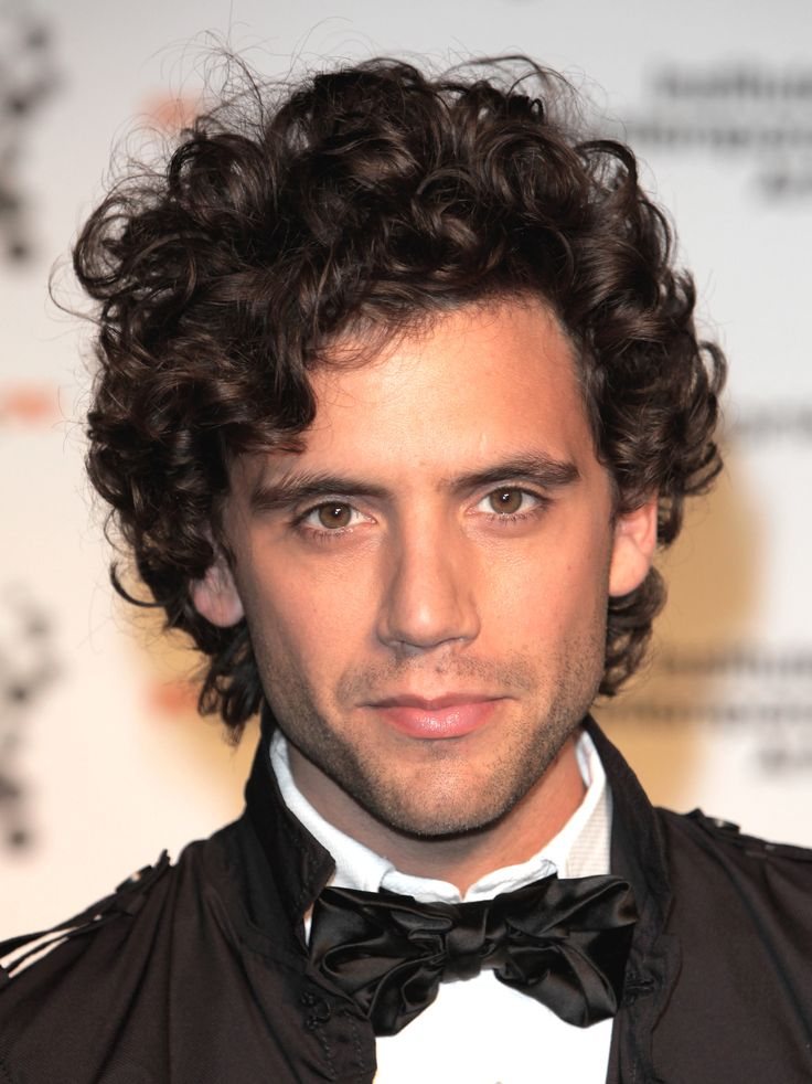 men celebrity wavy hair