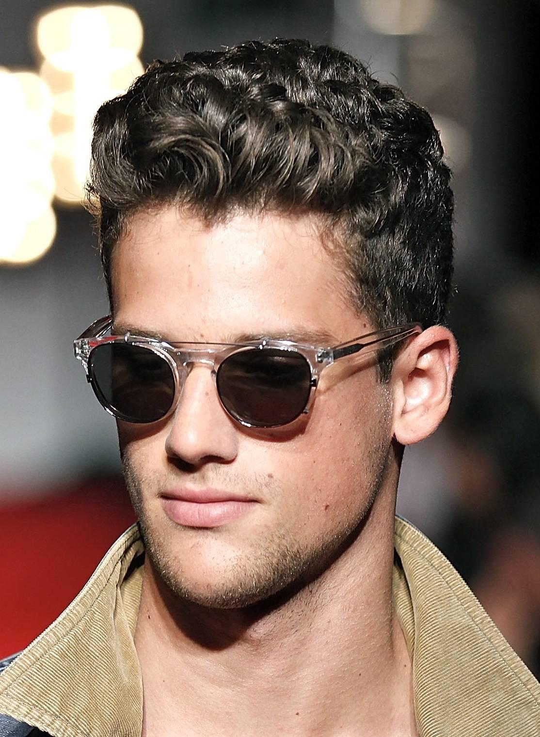 short wavy haircuts for men